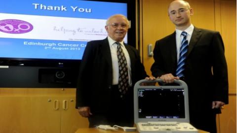 Willie Henderson donates Sonoscape S8 ultrasound machine to Western Hospital in Edinburgh.